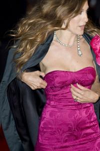 Gibt es ein trägerloses Kleid das nicht rutscht?