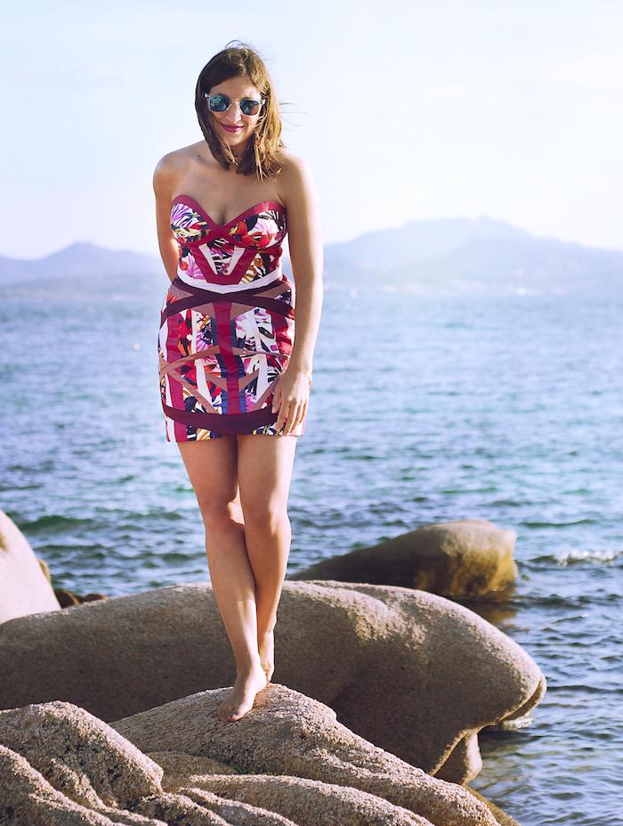 Das Bombshell Kleid nach einem Burda Schnittmuster ist inspiriert von den figurbetonten Hervé Léger Kleidern