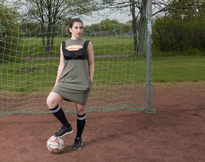 sportliches Kleid inspiriert von Miuccia Prada